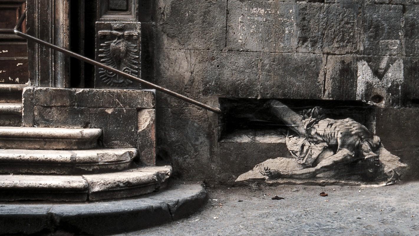 Street art d'Ernest Pignon-Ernest à Naples à travers un article sur Bellanapoli.