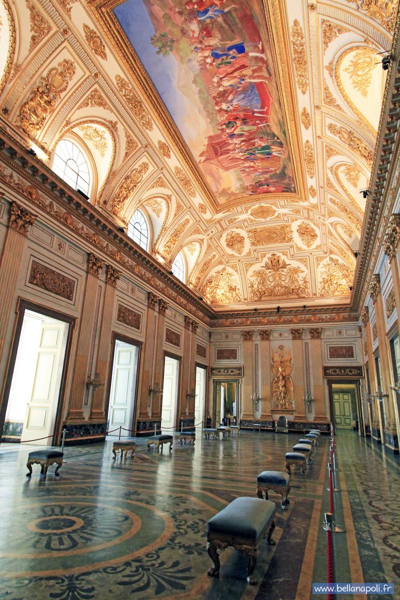 Le palais royal de caserte la reggia di caserta bella napoli d couverte - Salle du trone versailles ...