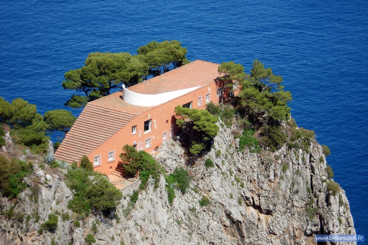 Curzio malaparte bella napoli d couverte de naples for Villa curzio malaparte